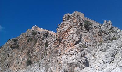 Нажмите на изображение для увеличения Название: Крепость на горе в Алании.jpg Просмотров: 100 Размер:98.6 Кб ID:36